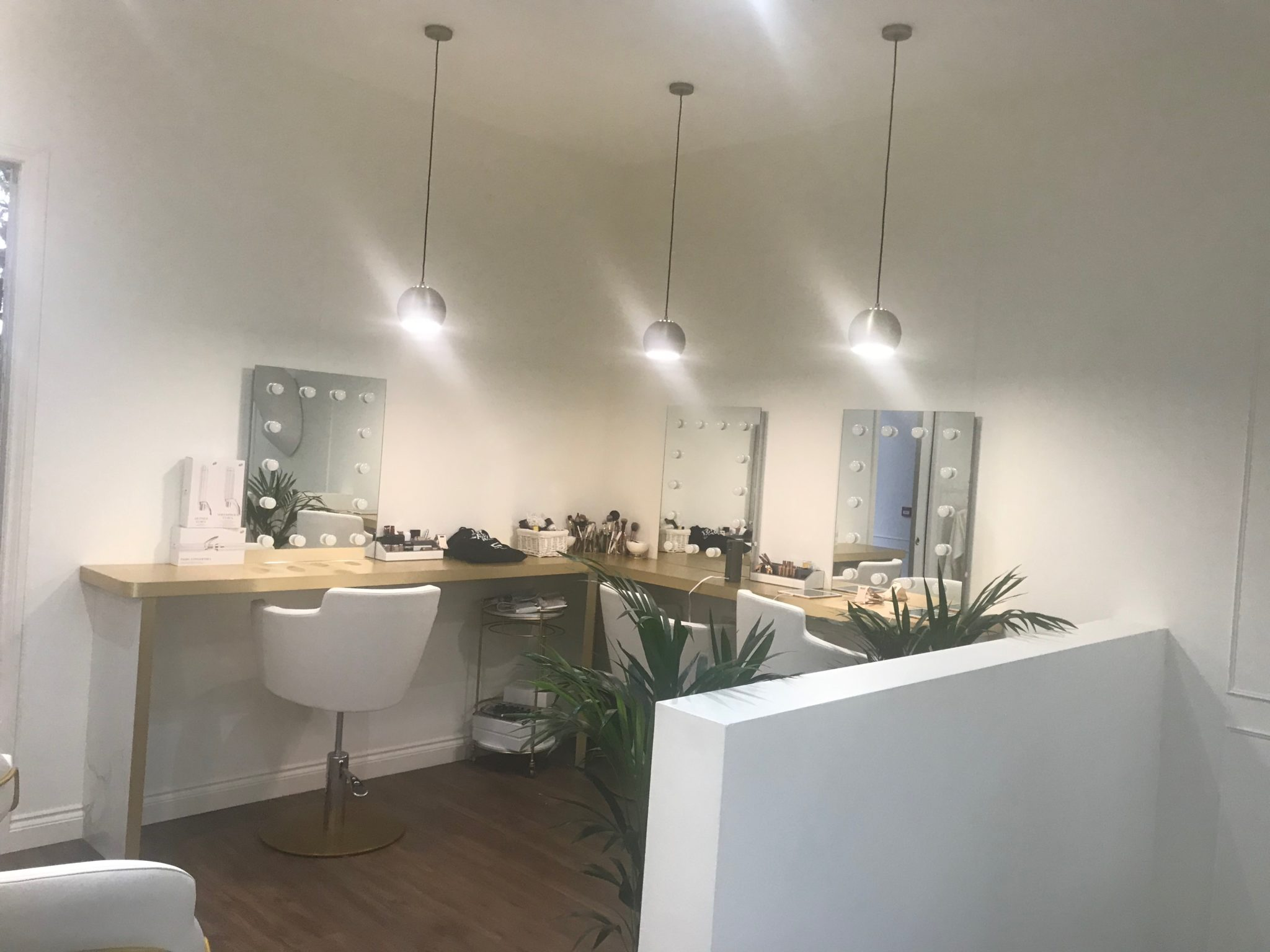 Monnay Beauty Salon Design